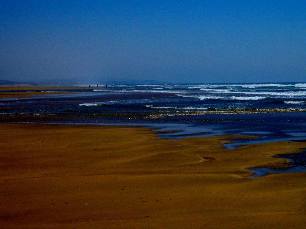 an der Atlantikküste mit Strand