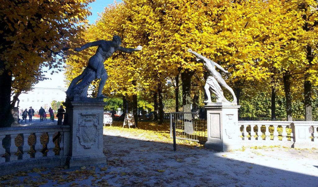 Eingang zum Mirabellgarten in Salzburg