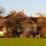 Bauernhaus mit Obstbäumen in Stadt Salzburg