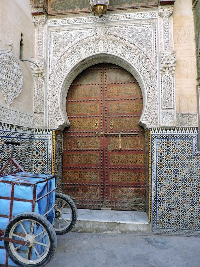 schönes Eingangstor in der Medina_Fès el bali