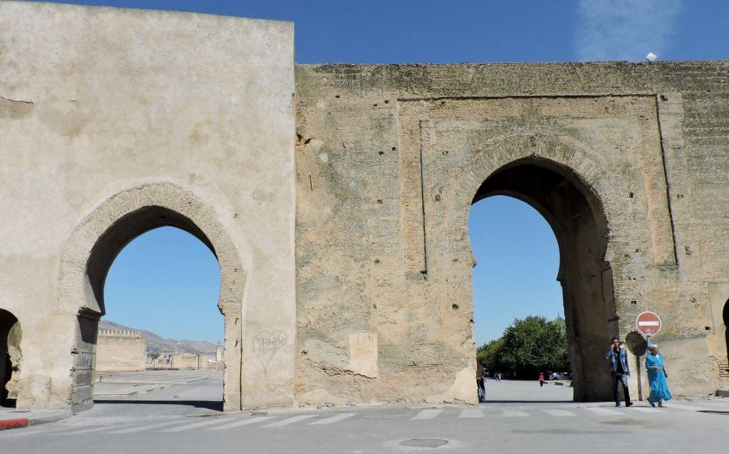 Stadtmauer mit Tor_Fès el bali