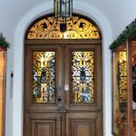 schönes altes Eingangstor in Salzburg