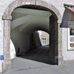steinernes Tor in der Altstadt Salzburg