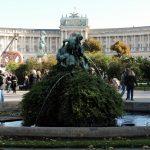 Blick vom Volksgarten auf Hofburg_Wien
