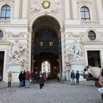 Eingangstor Michaelerplatz bei der Hofburg Wien