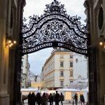 Hofburg Wien - Eingang durch prächtiges Tor