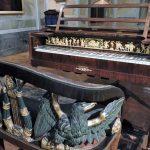 historisches Klavier im Museum