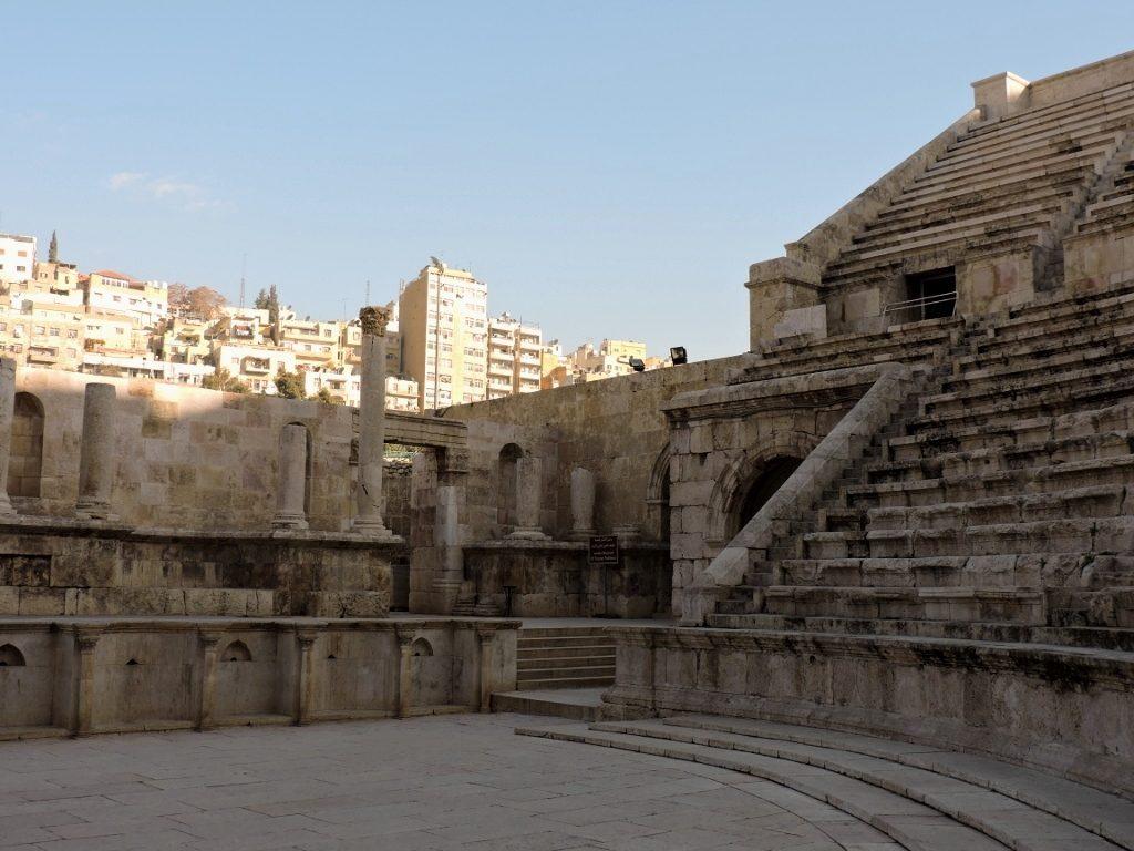 Amphietheater, von Amman zum Toten Meer