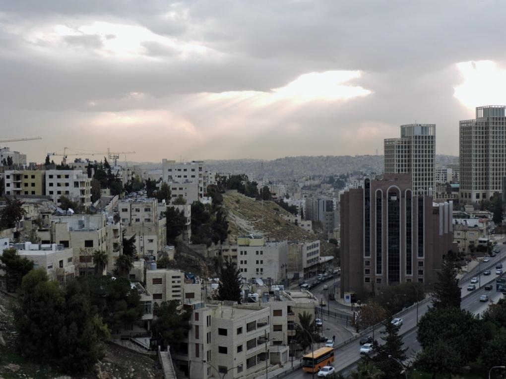 Ausblick von Amman zum Toten Meer