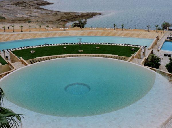 Hotel Pool am_Meer_Jordanien