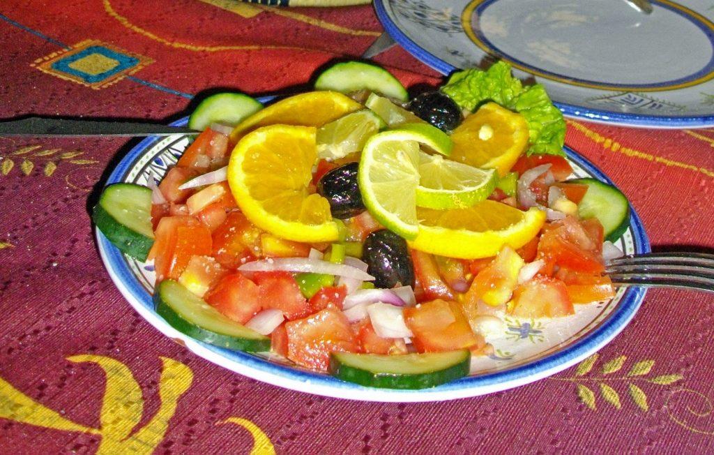 Marokko kulinarisch, bunter Salat