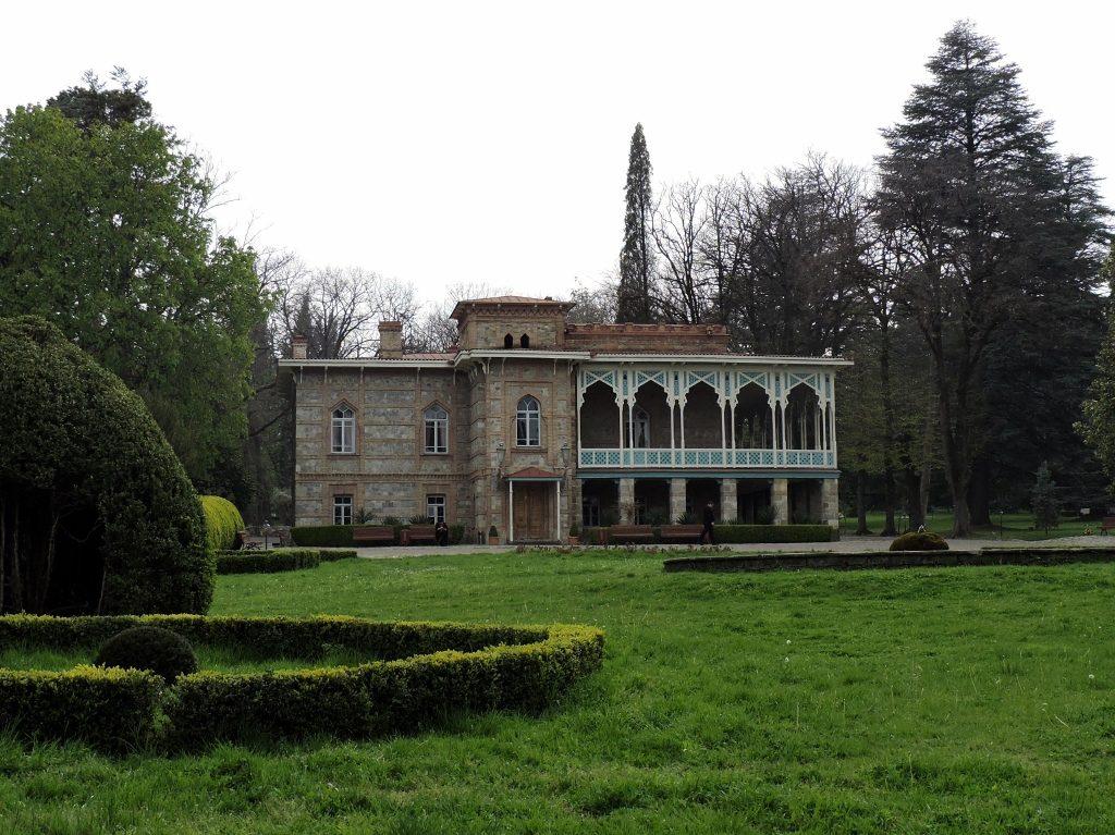 Schloss mit Parkanlage, Georgien Reise