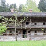 altes Bauernhaus aus Holz