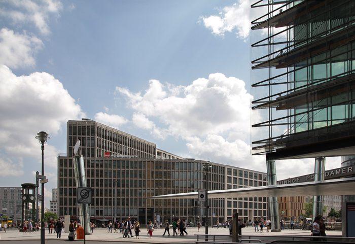 Berlin!-Fotos vom futuristischen Hotspot Potsdamer Platz