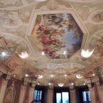 prunkvolle Barock-Decke in Schloss