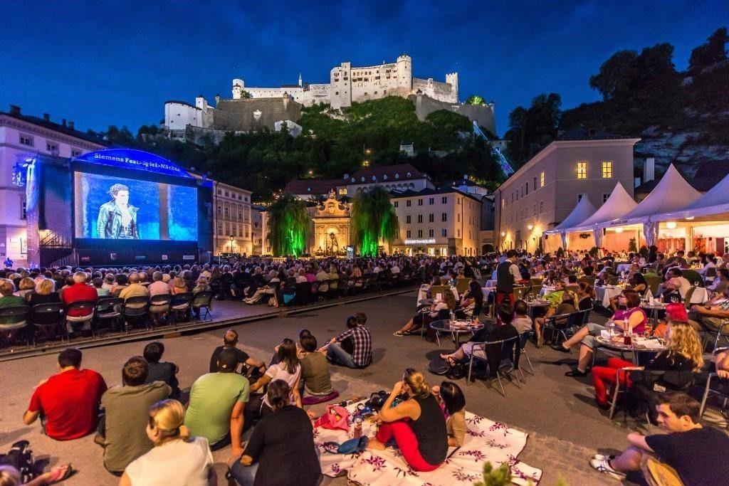 Siemens Festspiele am Kapitelplatz mit Publikum