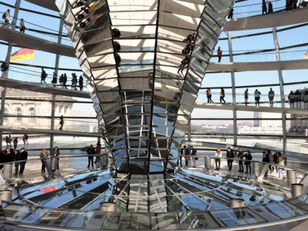 Reichstagsgebäude kuppel Innenansicht_Berlin