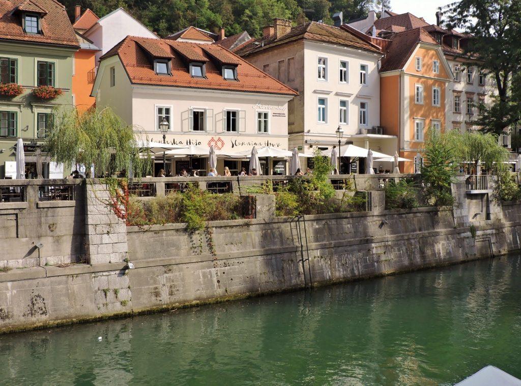 Ljubljana Häuser am Fluss