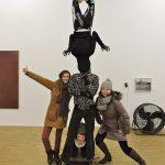 Skulptur mit drei Frauen