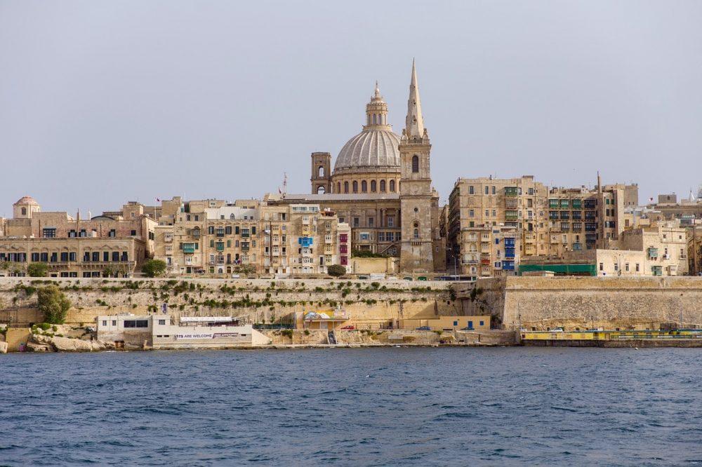 Sicht auf Malta vom Meer aus