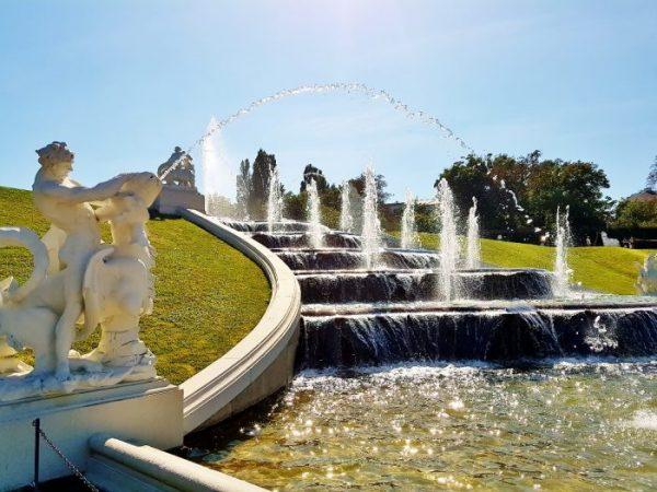 Kaskadenbrunnen beim Belvedere Schloss