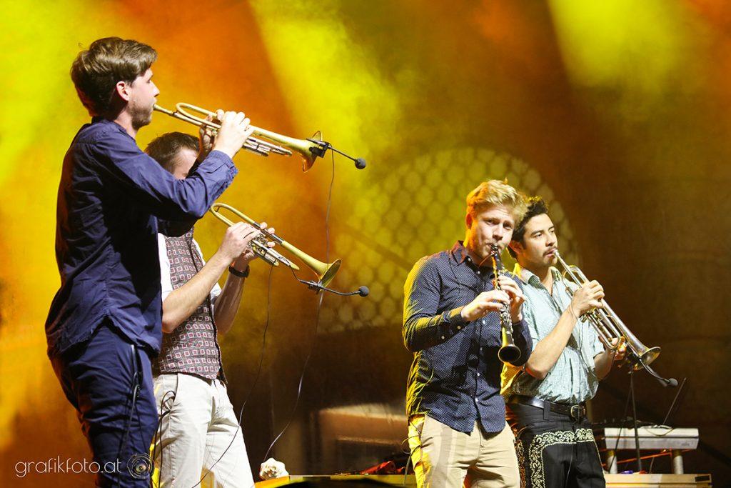 Blasmusikkapelle junger Musiker