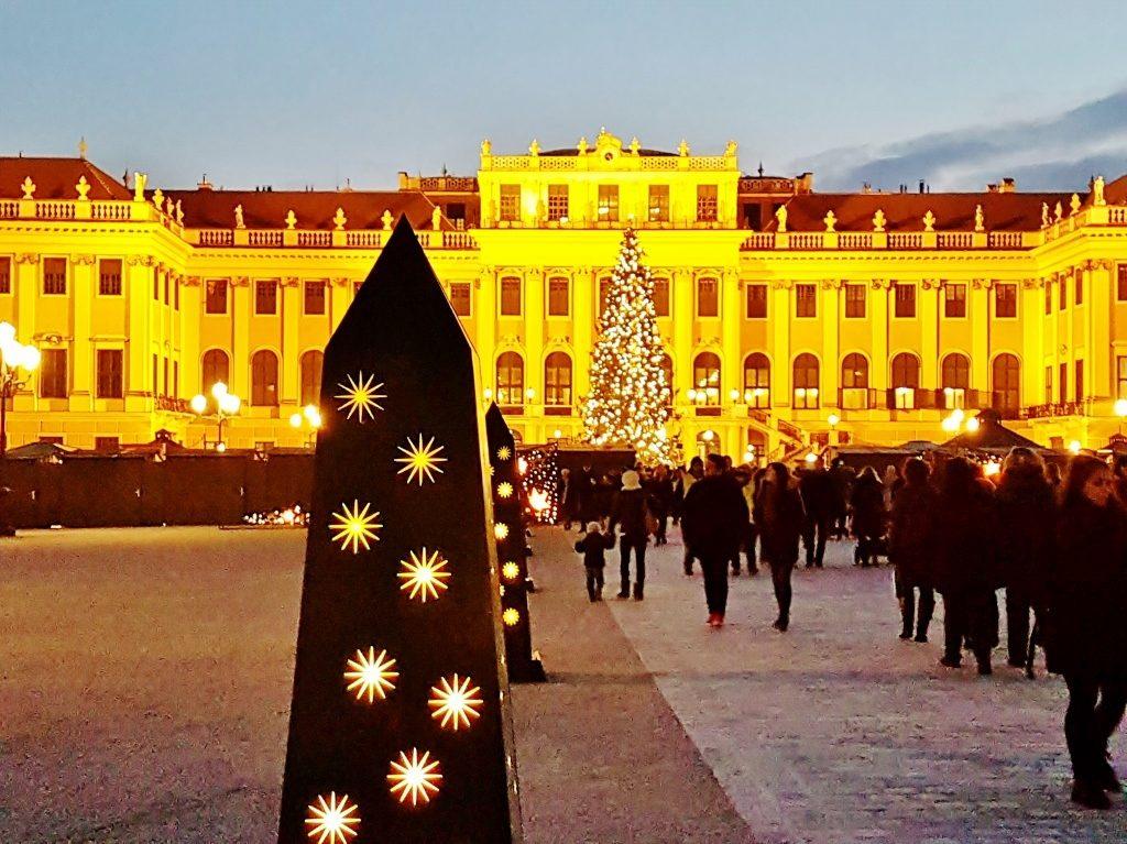 Weihnachtsmärkte Wiens vor Schönbrunn