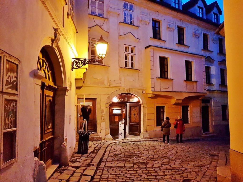 Altstadt bei Nacht, ein Städtetrip Bratislava