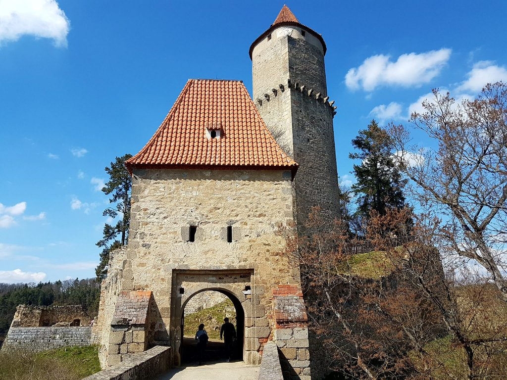 Burg mit Turm in Südböhmen!