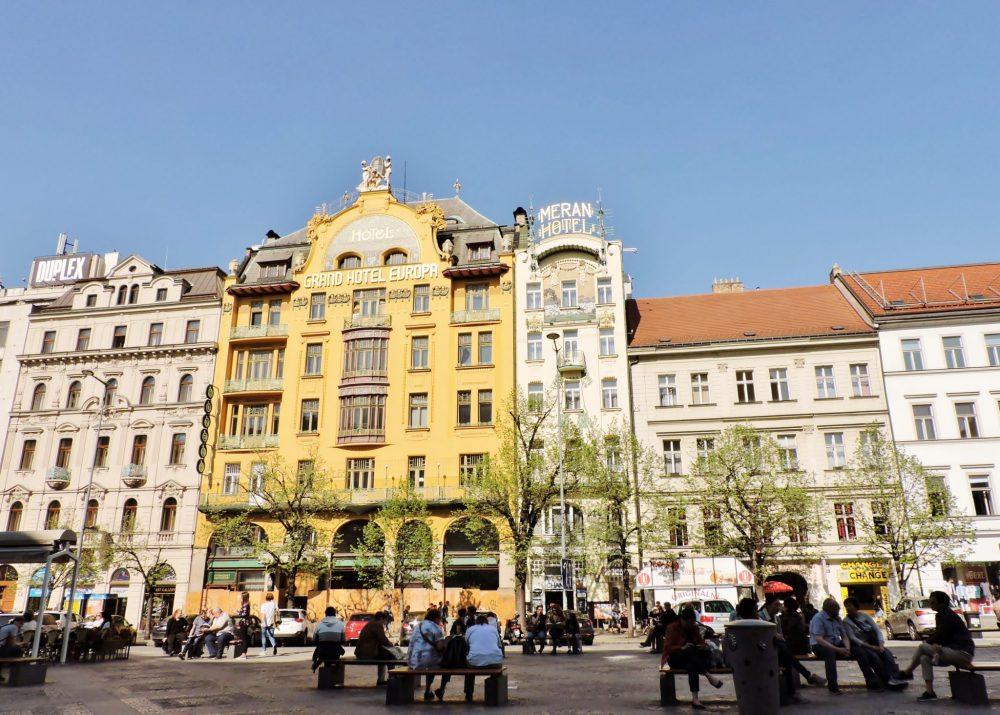 prachtvolle Häuser in Prag