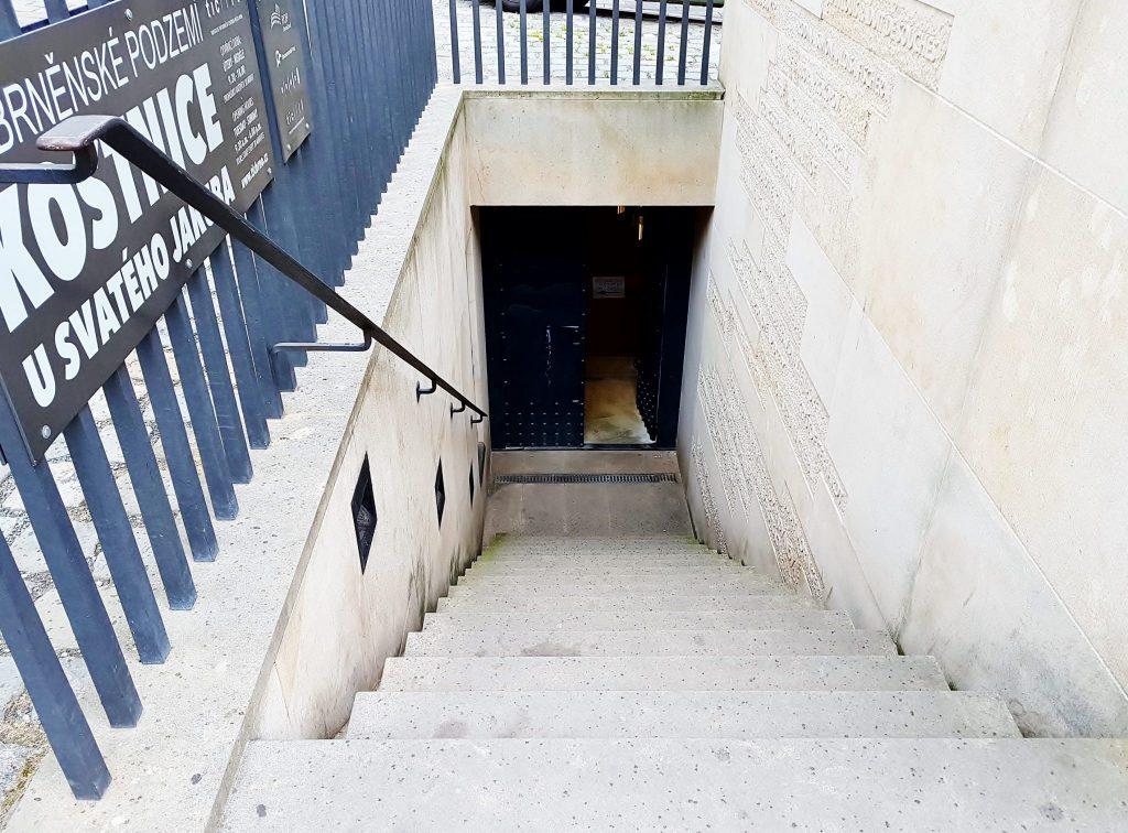 Stiegenabgang eines Hauses