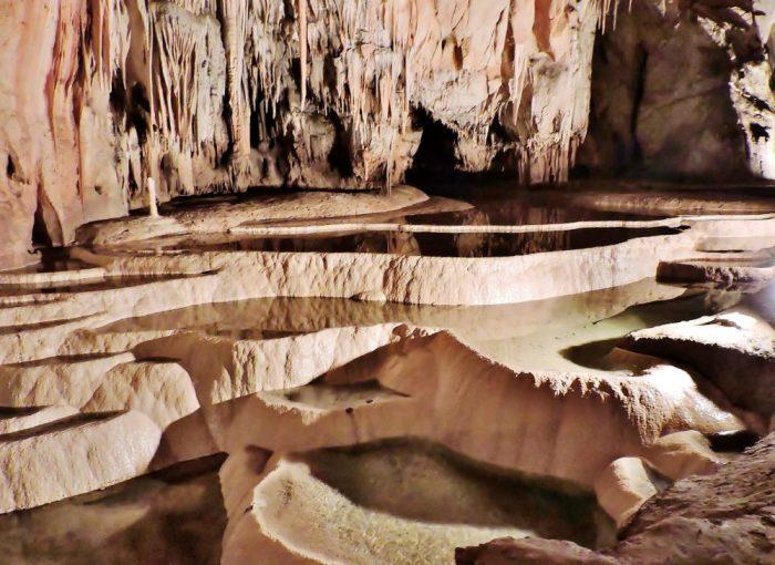 Unterirdisches Höhlensystem