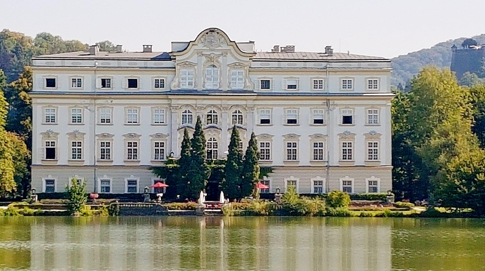 Schloss Leopoldskron Salzburg mit Weiher