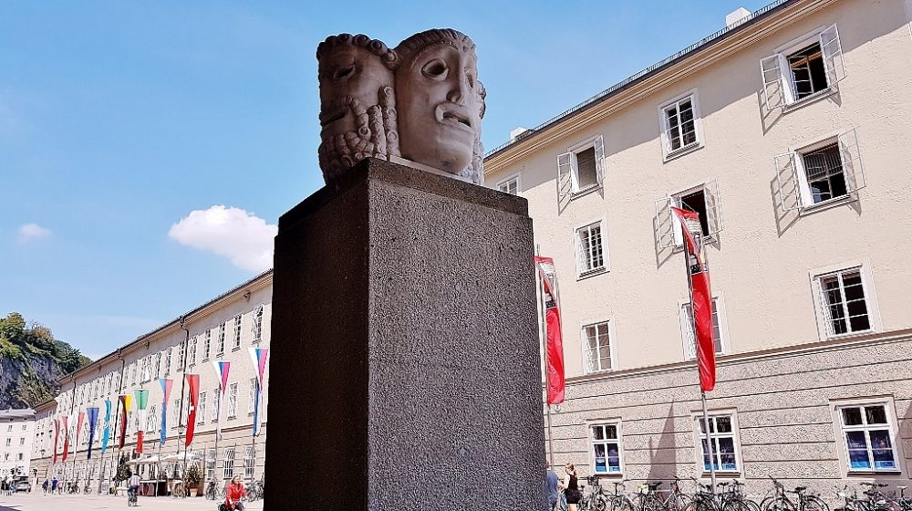Maskenblock bei Salzburger Festspielhäuser Führungen