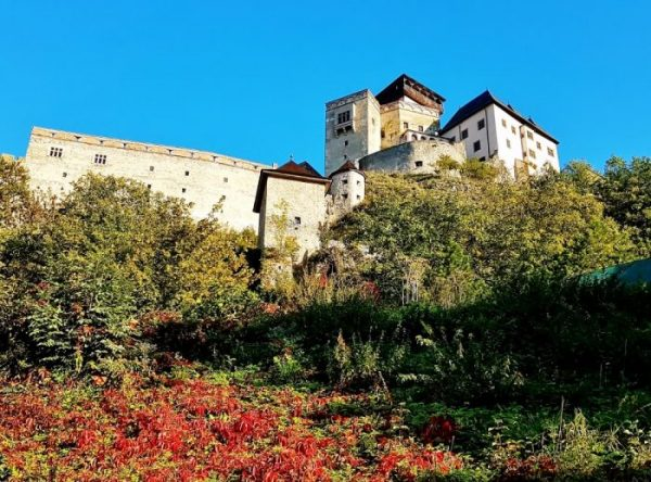 Burg Trencin auf dem Hügel