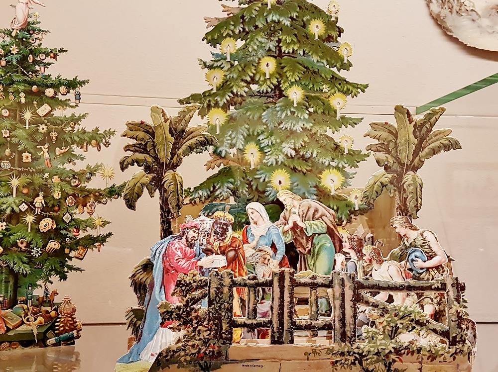 eine Papie-Krippe aus dem Weihnachtsmuseum Salzburg