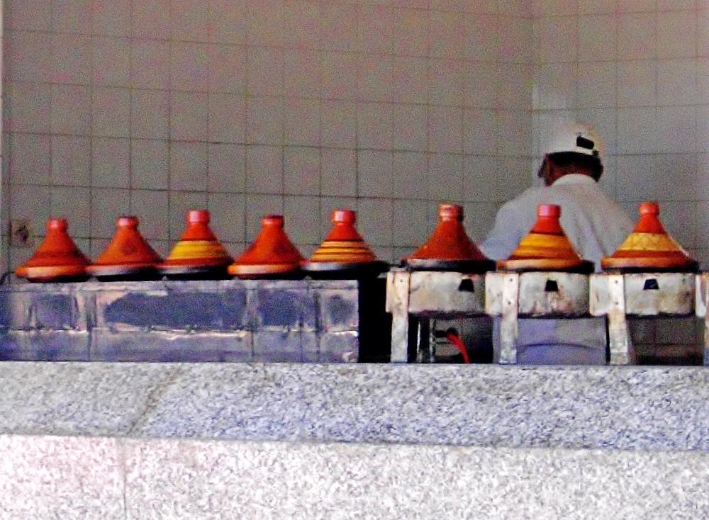 Tajine Zubereitung für Marokkanische Küche - Genussführer