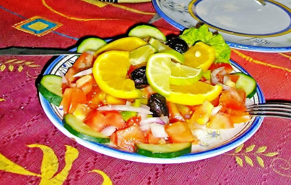 Frischer Salat mit Zitrone, Marokkanische Küche - Genussführer