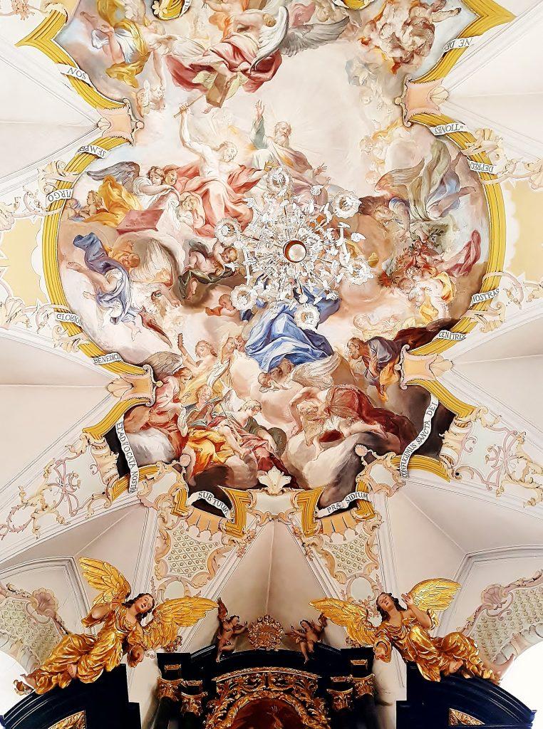 prachtvolles Kirchengewölbe, Kitzbühel Altstadt Sehenswürdigkeiten