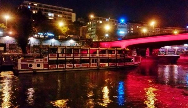 Donaukanal nachts als Wien Ausflugsziele kostenlos