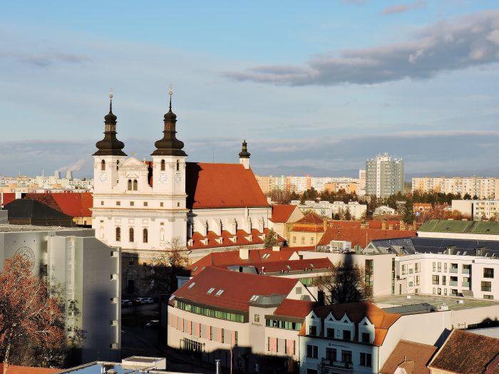Blick auf Kirchen von Trnava