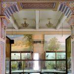 im Inneren eines historischen Museums