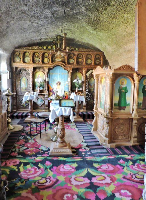 Kirche in einer Höhle