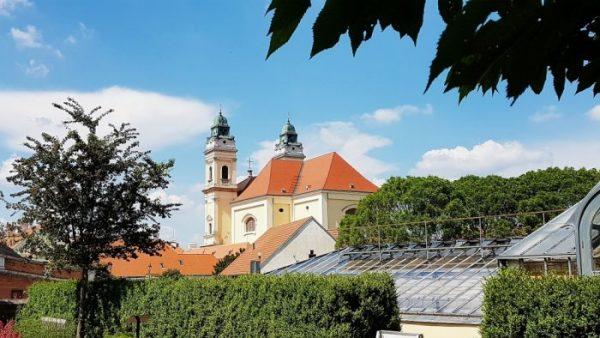 Kirche mit Garten in Südmähren
