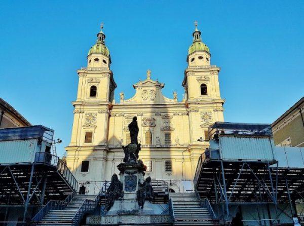Salzburger Dom mit Tribühne, Salzburger Festspiele 2020