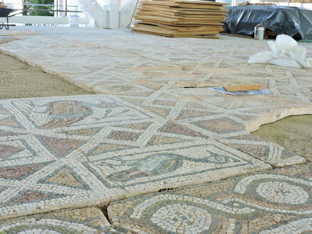 farbenfrohe antike Boden-Mosaike, Plovdiv