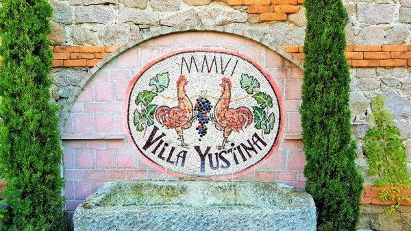 Emblem des Weingutes Villa Yustina