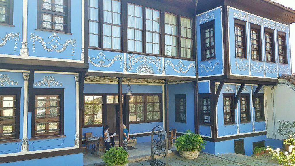 Homestory in schönem blauem Plovdiver Haus in der Altstadt