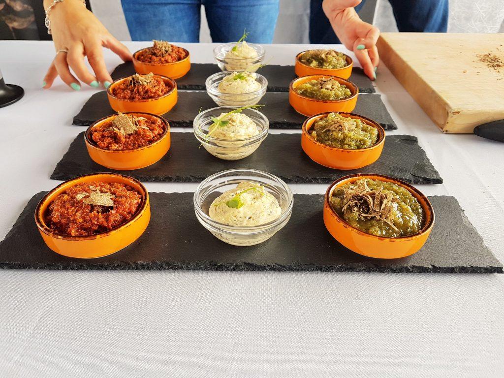 Slow Food Trüffelspeisen in Schüsseln