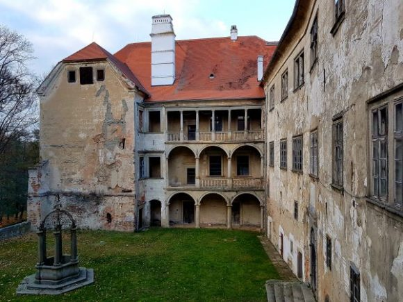 verfallenes Renaissance-Schloss Brtnice in Tschechien